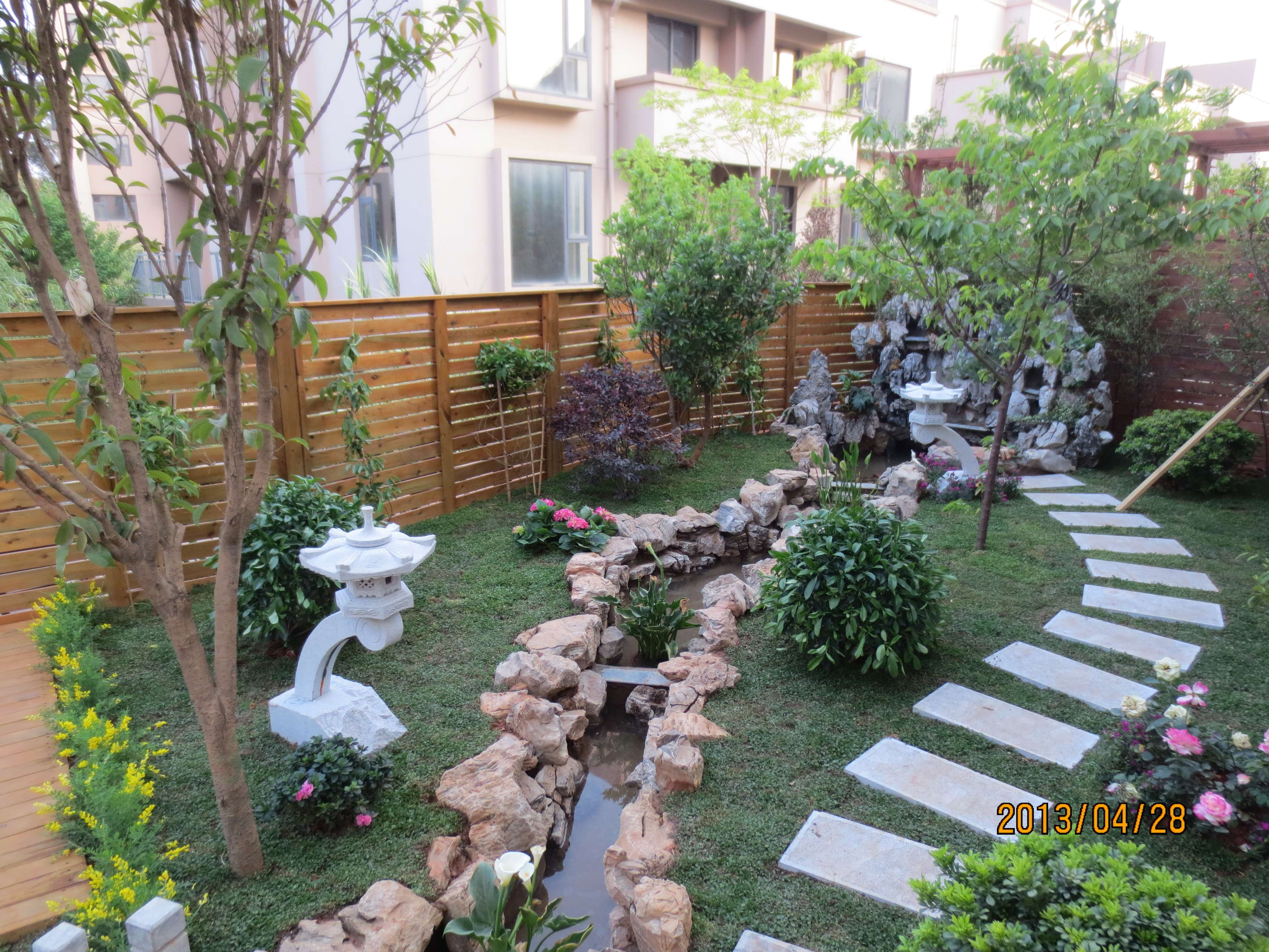 河南省南阳市别墅庭院假山鱼池园林景观设计施工